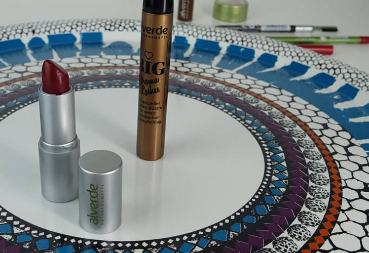 Alverde Big Drama Lashes Mascara und Lippenstift in Cranberry