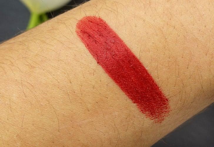 Und Gretel Lippenstift Tagarot dahlia Swatch