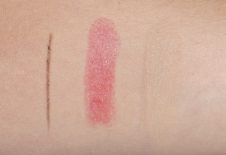 Couleur Caramel Swatches Lippenstift Himbeere, Augenbrauenstift braun, Concealer beige