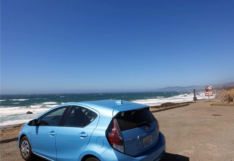 Nachhaltiger Road Trip Hybrid-Auto