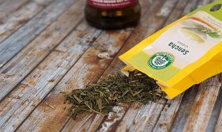 Gesichtswasser selber machen mit grünem Tee und Apfelessig